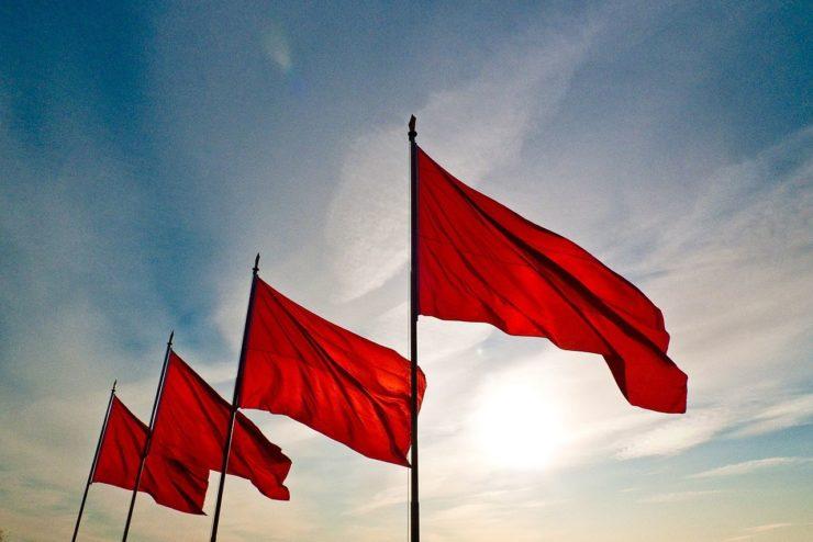 Bandera_roja-740x494.jpg