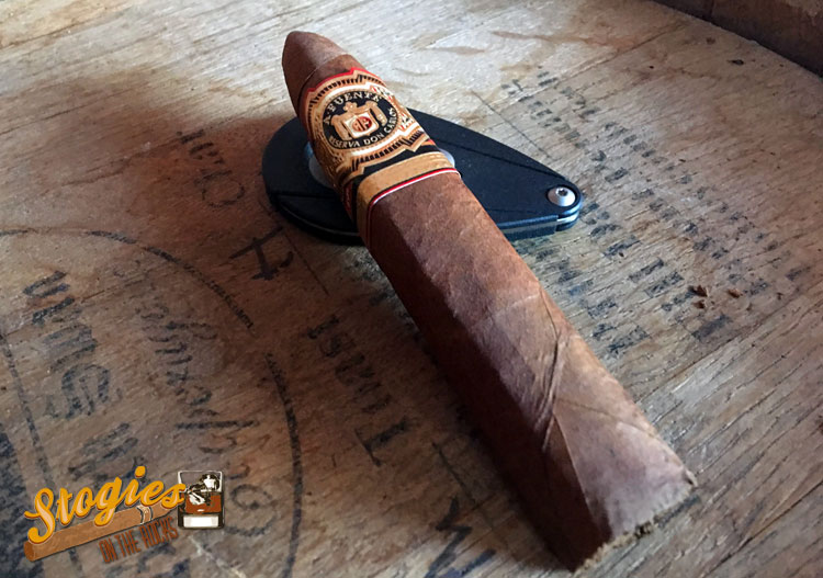 Arturo-Fuente-Don-Carlos-Eye-of-the-Shark-barrel1.jpg