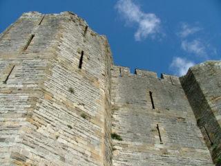 castle-walls-320x240.jpg